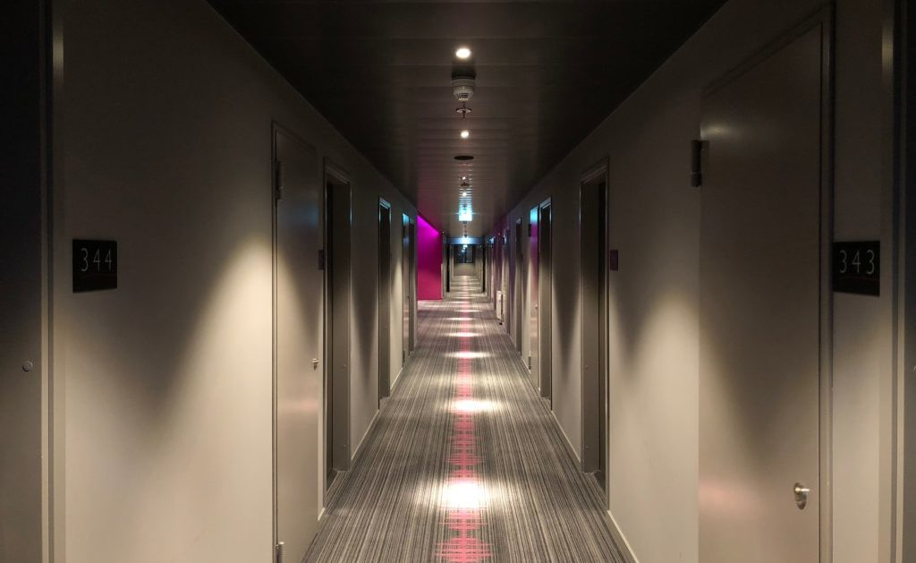 How To Win Carpet Cleaning Contracts With Local Hotels